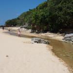 水晶も採れる?石垣島一美しい秘密のビーチで遊ぼう!